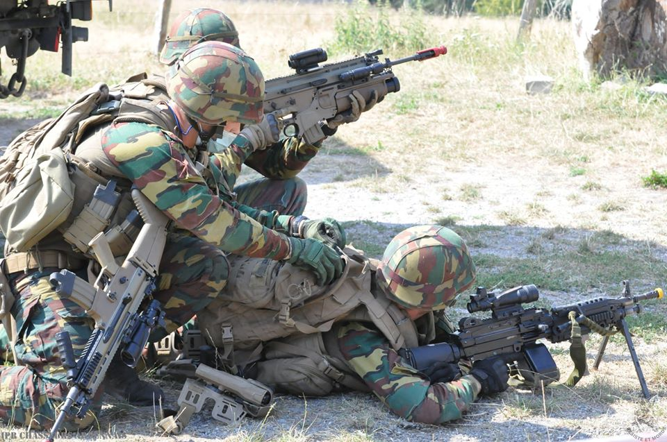Armée Belge / Defensie van België / Belgian Army  - Page 24 _12f1076