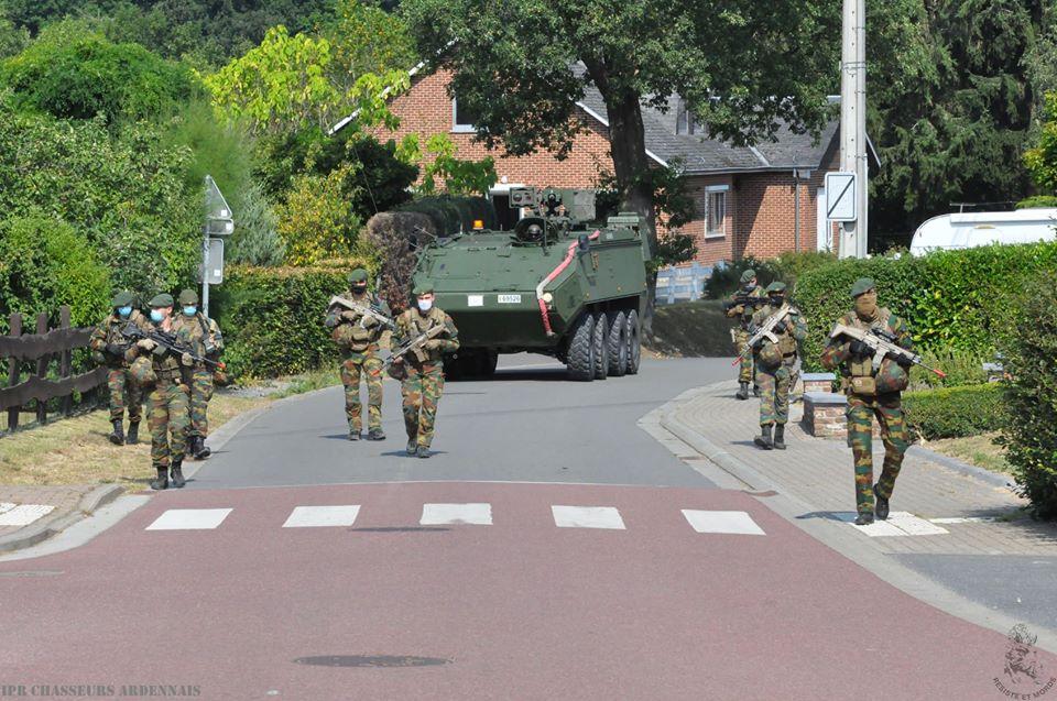 Armée Belge / Defensie van België / Belgian Army  - Page 24 _12f1079