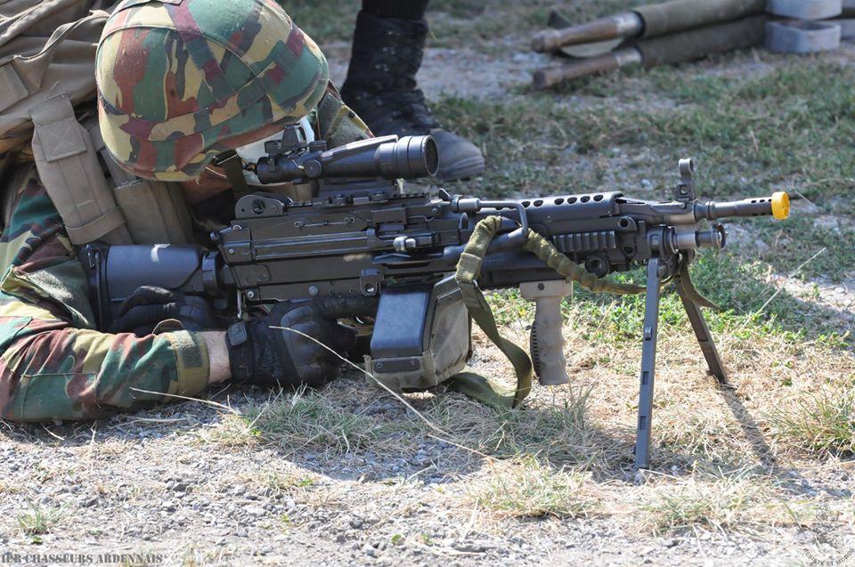 Armée Belge / Defensie van België / Belgian Army  - Page 24 _12f1081