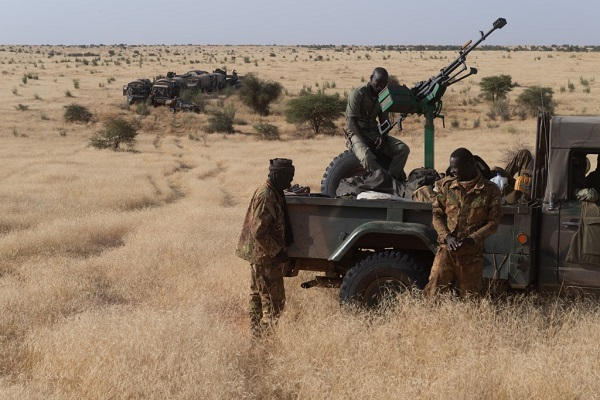 Armée Malienne / Armed and Security Forces of Mali - Page 15 _12f1115
