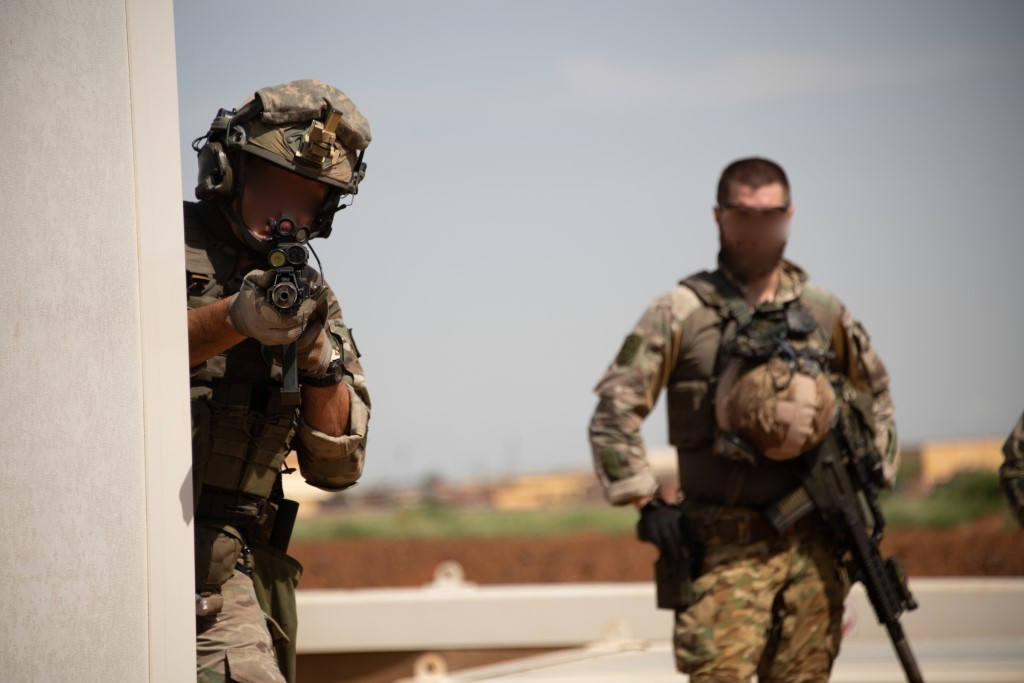 Intervention militaire au Mali - Opération Serval - Page 24 _12f1171