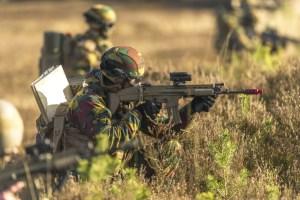 Armée Belge / Defensie van België / Belgian Army  - Page 24 _12f1273
