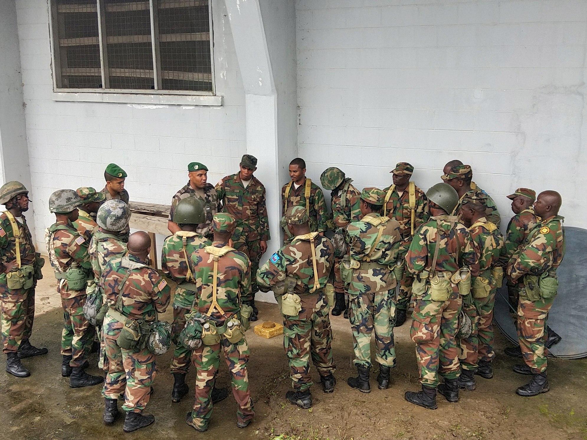 Les Forces Armées du Libéria / Armed Forces of Liberia ( AFL ) _12f139