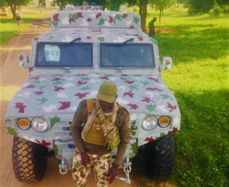 Armée Nigériane / Nigerian Armed Forces - Page 16 _12f1393