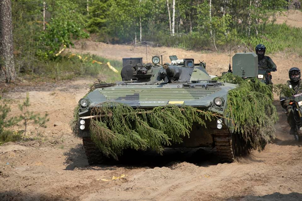 Armée Finlandaise / Finnish Defence Forces / puolustusvoimat - Page 10 _12f210