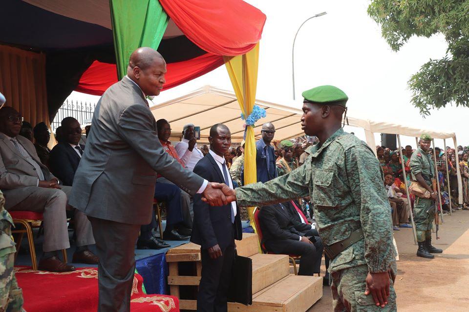 Armées de la République centrafricaine  - Page 10 _12f2208