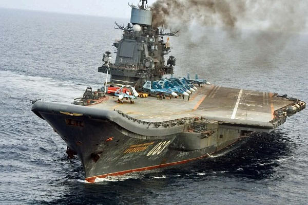 Porte-avions / Aircraft Carrier - Page 5 _12f2a20