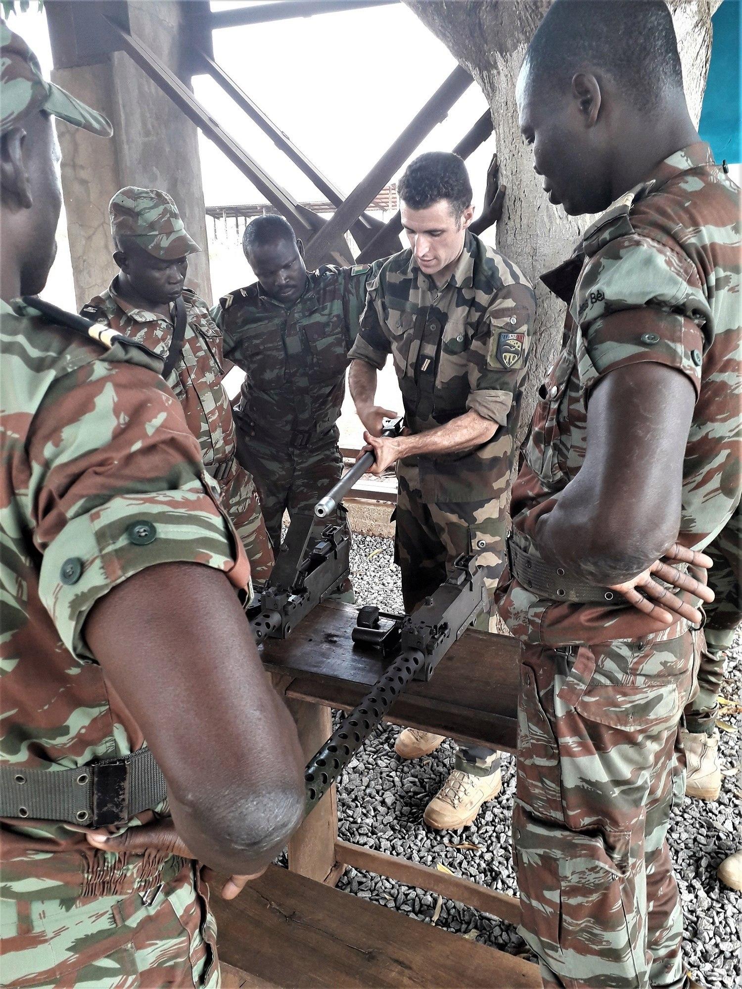 L'Armée du Bénin - Page 2 _12f2a82