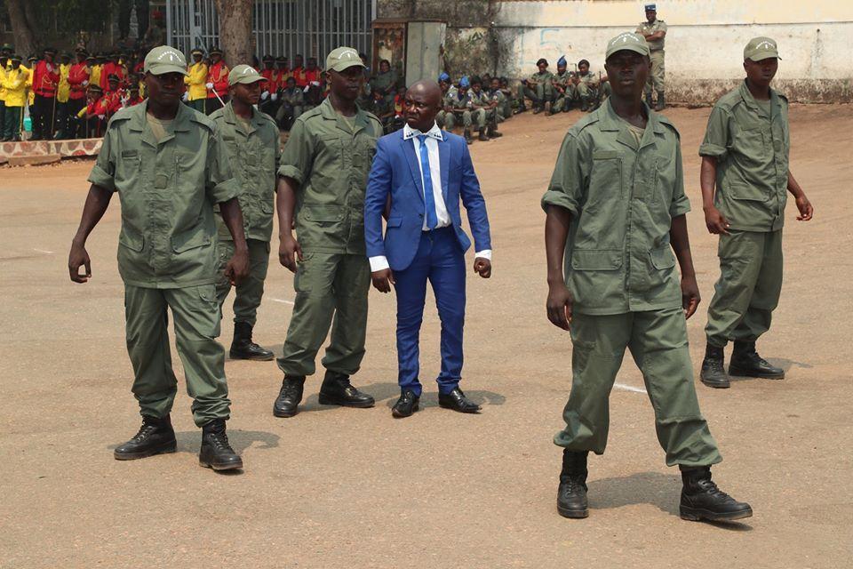 Armées de la République centrafricaine  - Page 10 _12f3252