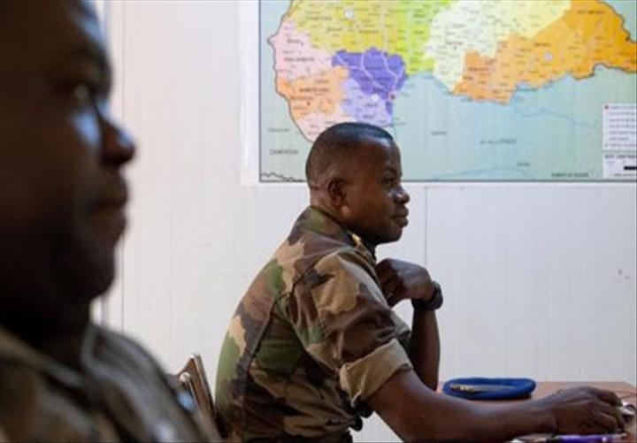 Armées de la République centrafricaine  - Page 10 _12f3326