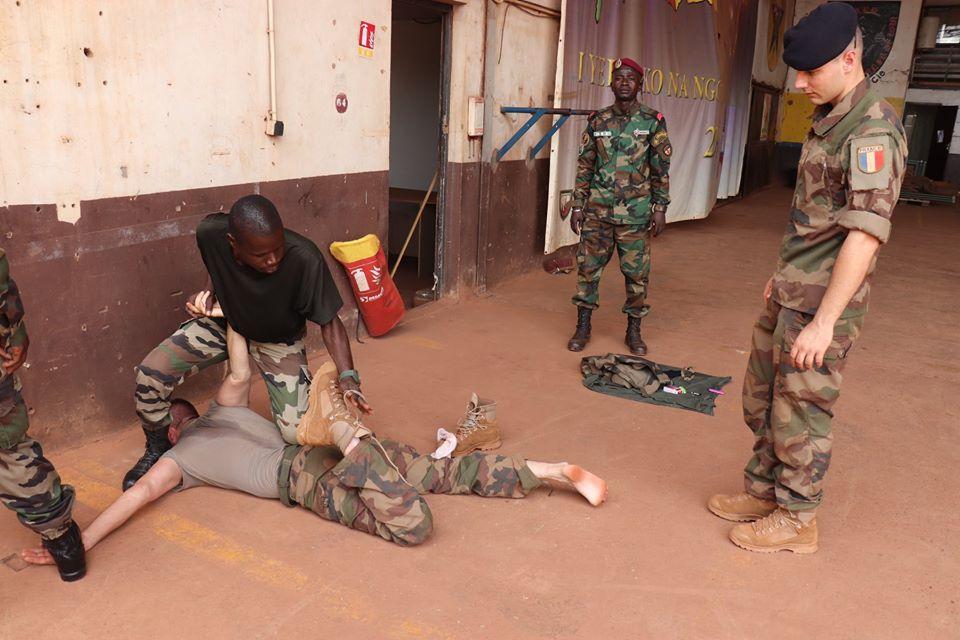 Armées de la République centrafricaine  - Page 10 _12f3361