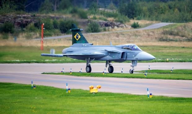 Saab: présentation du futur Gripen - Page 4 _12f3555