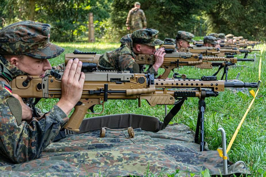 Armée Allemande (Bundeswehr) - Page 12 _12f3989