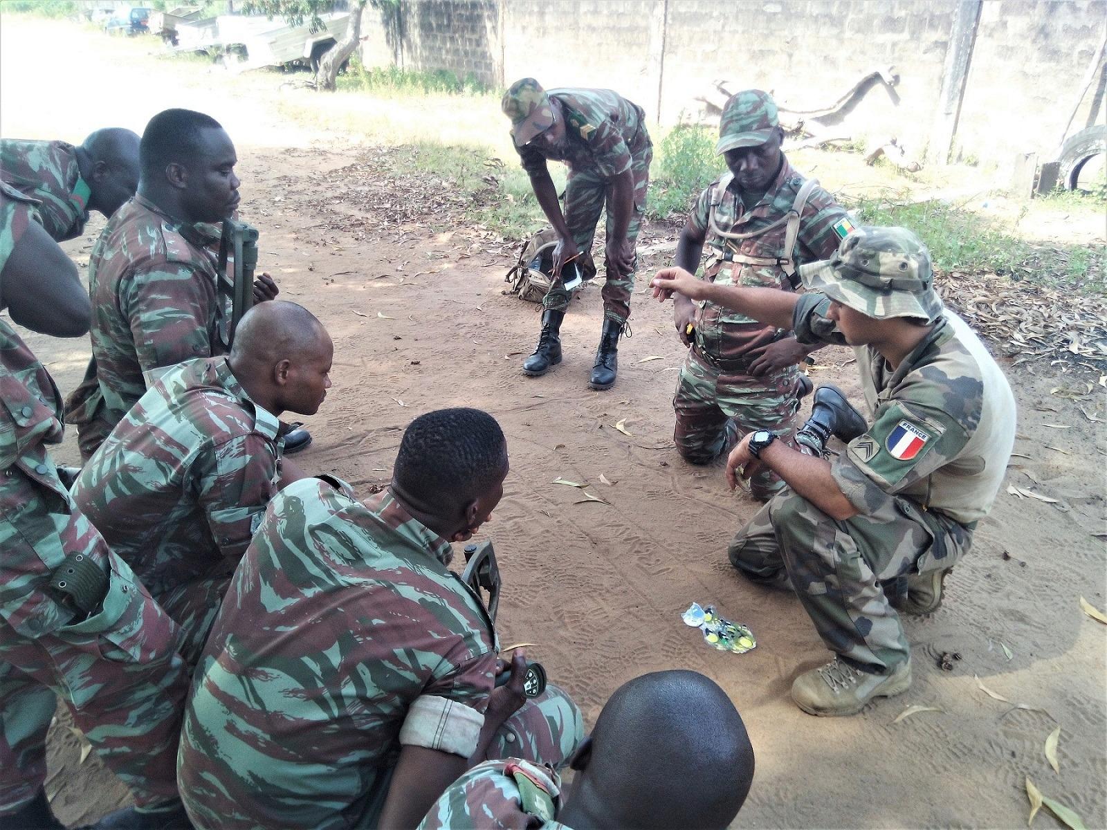 L'Armée du Bénin - Page 2 _12f3a86