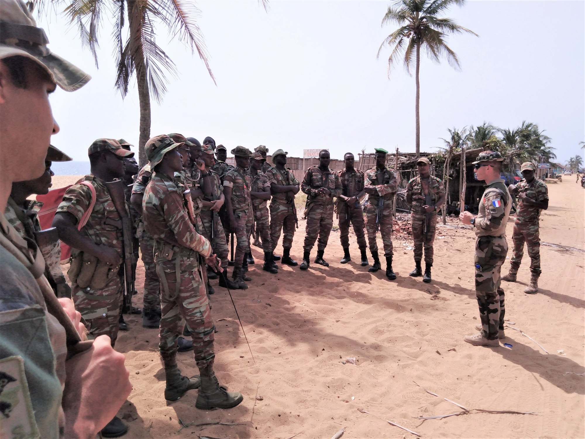 L'Armée du Bénin - Page 2 _12f3b85