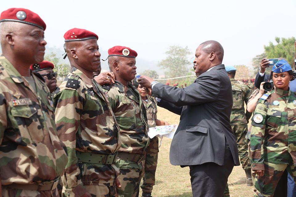 Armées de la République centrafricaine  - Page 10 _12f3b94