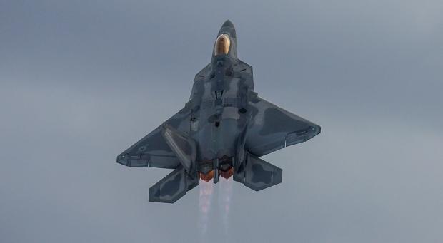 F-22 Raptor - Page 19 _12f3c24
