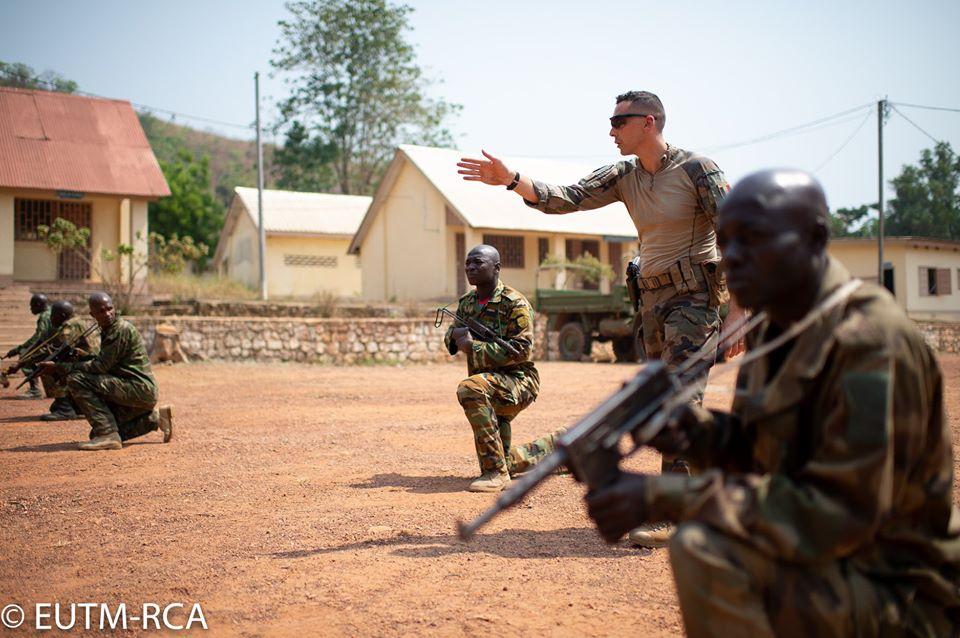 Armées de la République centrafricaine  - Page 10 _12f3c69