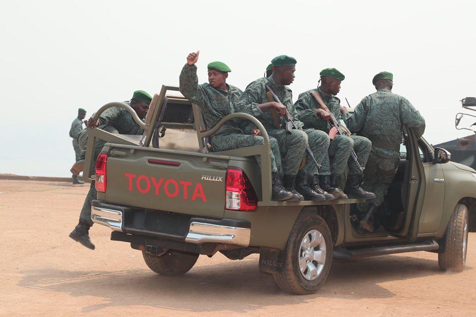 Armées de la République centrafricaine  - Page 10 _12f4102