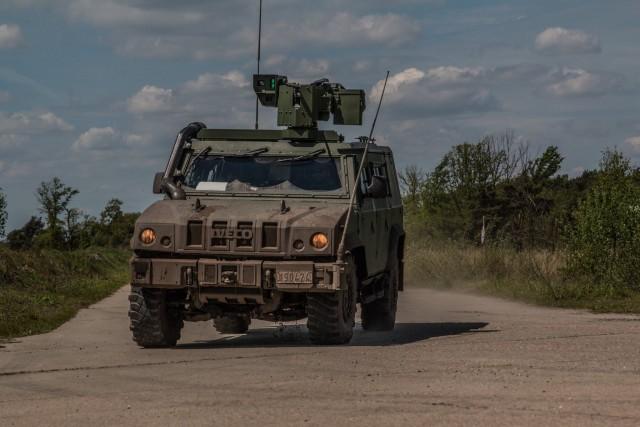 Armée Belge / Defensie van België / Belgian Army  - Page 22 _12f426