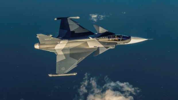 Saab: présentation du futur Gripen - Page 4 _12f432