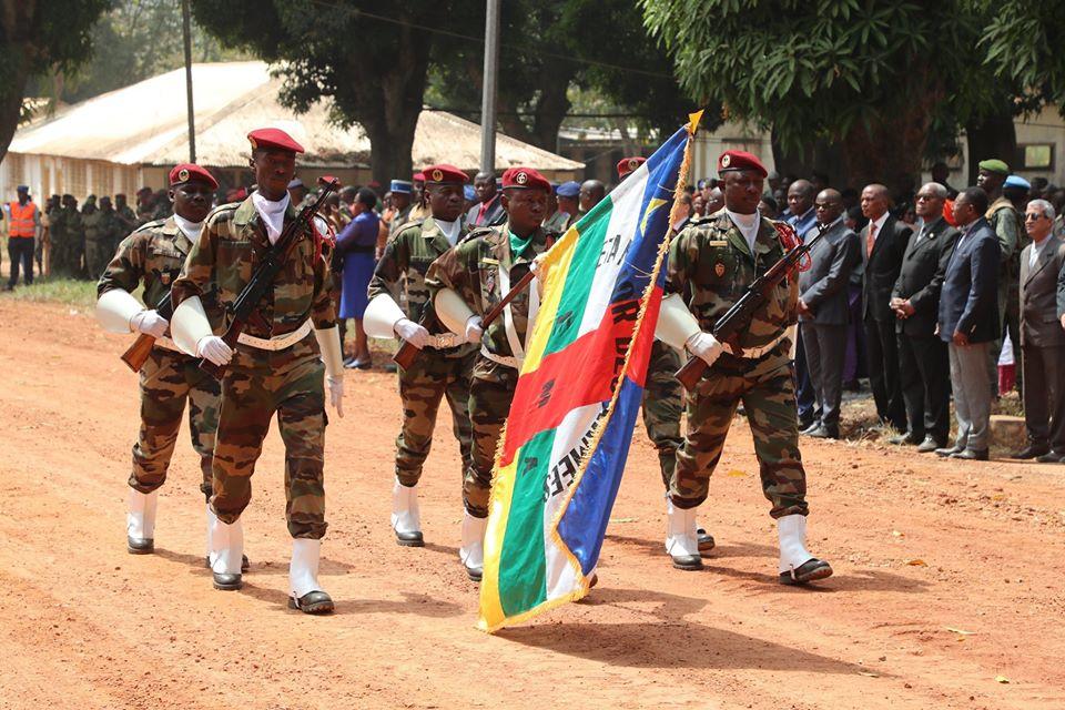 Armées de la République centrafricaine  - Page 10 _12f473