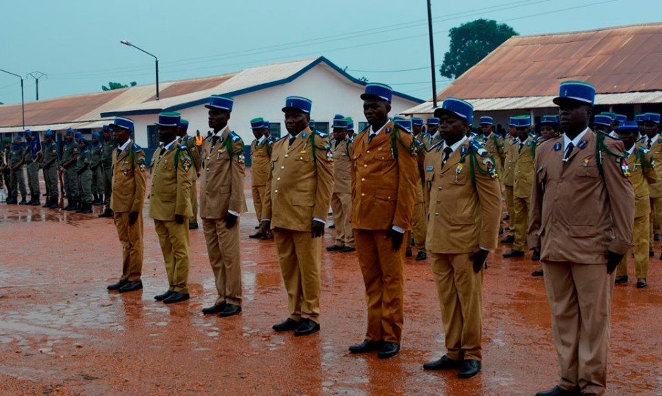 Armées de la République centrafricaine  - Page 9 _12f48