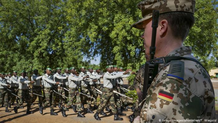 Armée Allemande (Bundeswehr) - Page 12 _12f5361