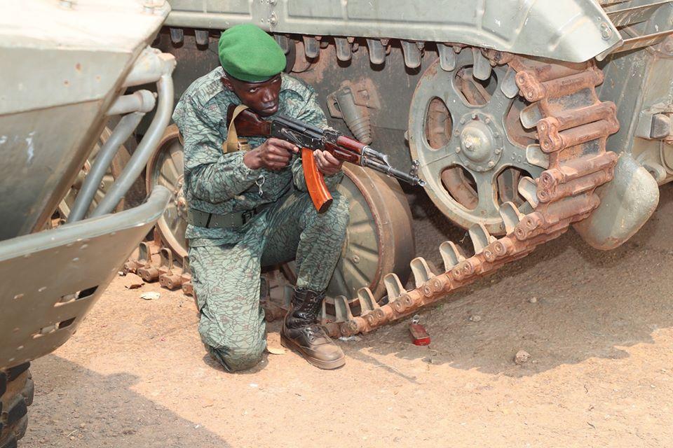 Armées de la République centrafricaine  - Page 10 _12f559