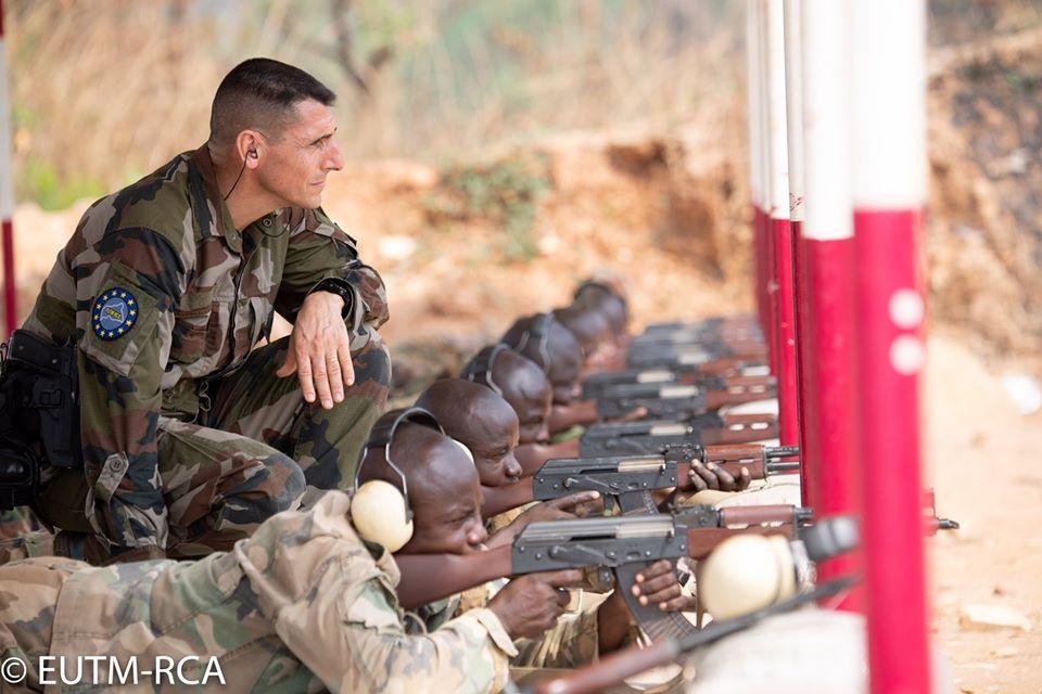 Armées de la République centrafricaine  - Page 10 _12f562