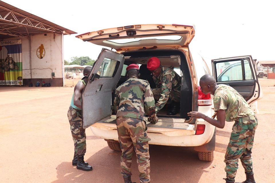 Armées de la République centrafricaine  - Page 10 _12f580