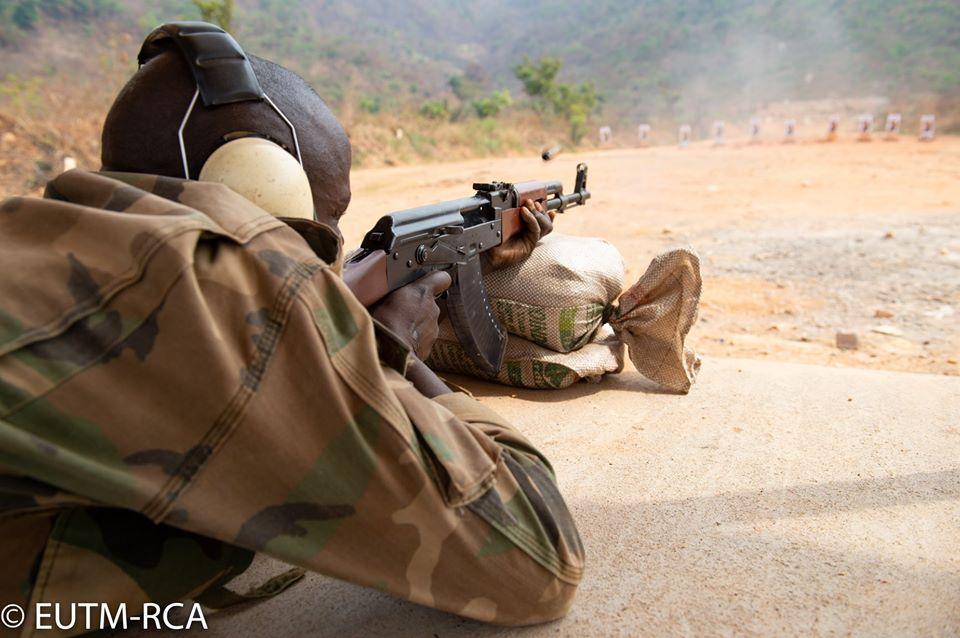 Armées de la République centrafricaine  - Page 10 _12f5a29