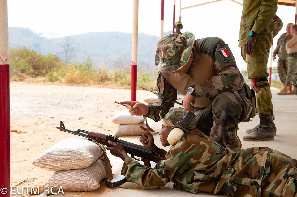 Armées de la République centrafricaine  - Page 10 _12f615