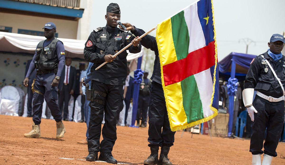 Armées de la République centrafricaine  - Page 10 _12f620