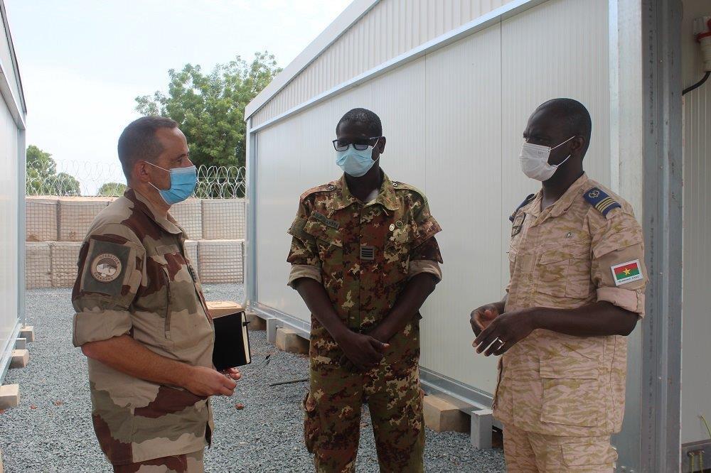 Intervention militaire au Mali - Opération Serval - Page 24 _12f6318