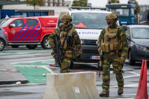 Armée Belge / Defensie van België / Belgian Army  - Page 24 _12f644
