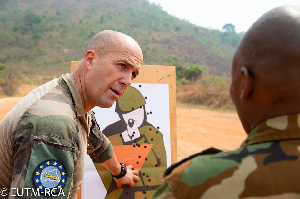 Armées de la République centrafricaine  - Page 10 _12f7j14