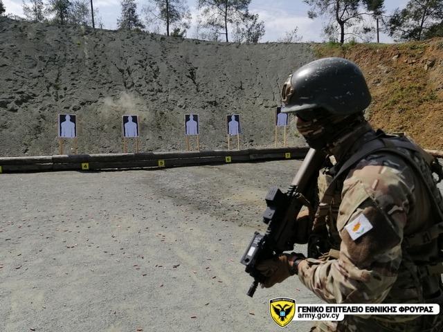 Armée Chypriote / Cypriot National Guard / Ethnikí Frourá - Page 2 _12f7j34