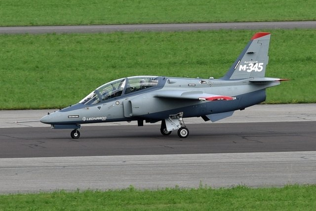 Aermacchi M-345HET (Trainer High Efficiency)  _12f8j45