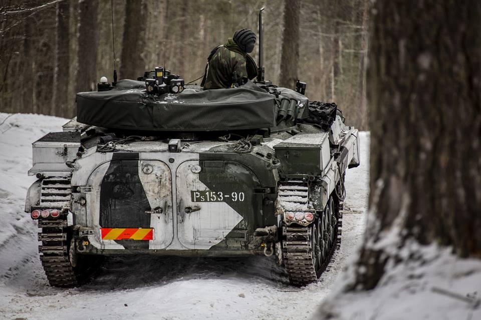 Armée Finlandaise / Finnish Defence Forces / puolustusvoimat - Page 10 _240