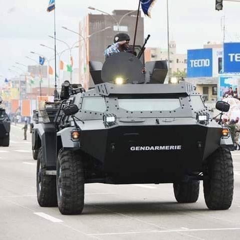Les Forces de défense et de sécurité de Côte d'Ivoire - Page 6 _735