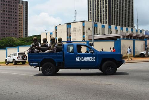 Les Forces de défense et de sécurité de Côte d'Ivoire - Page 6 _7a30