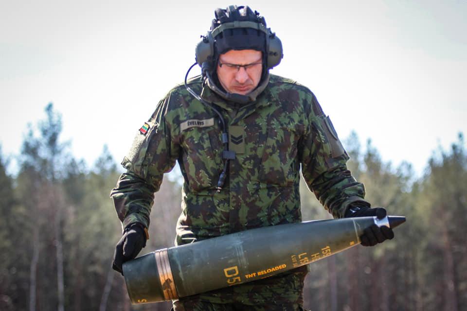 Armée lituanienne/Lithuanian Armed Forces - Page 6 _7d45