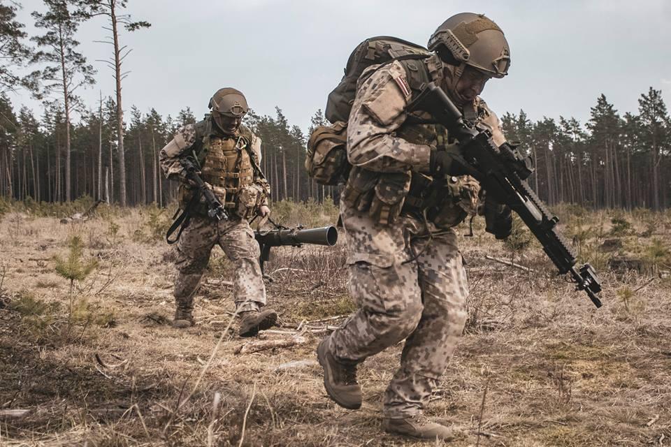 l'Armée Lettone \ Latvian Armed Forces - Page 2 _7d46