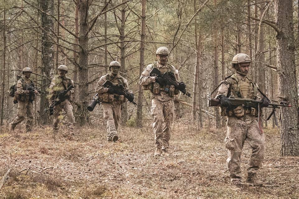 l'Armée Lettone \ Latvian Armed Forces - Page 2 _882
