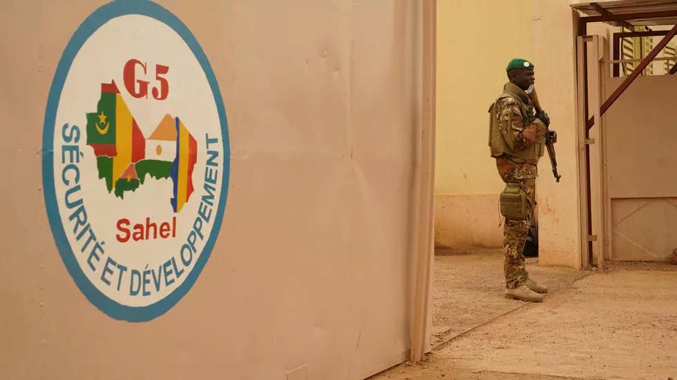 le Sahel zone de non-droit - Page 35 Luttes10