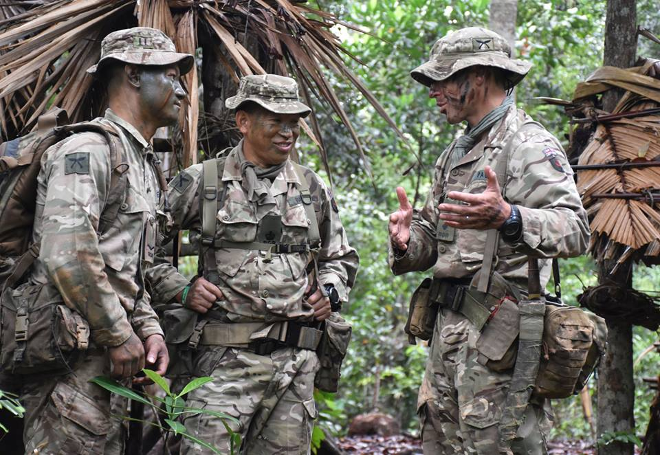 Armée Britannique/British Armed Forces - Page 11 Y410