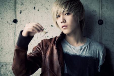 Shin Y. Hae (Feat Lee Hong Ki) Shin_l16