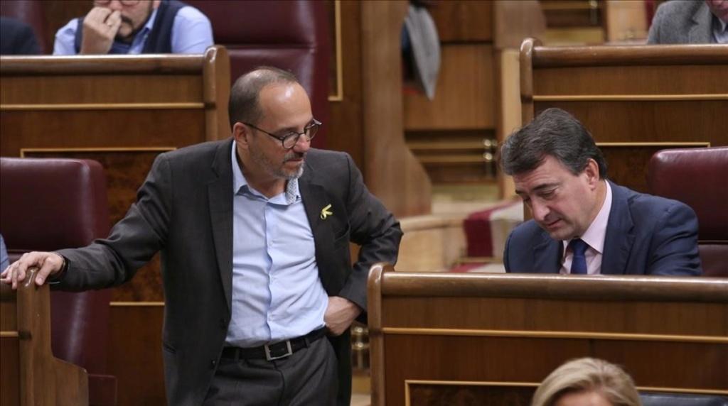 [Antena 3] Noticias de Antena 3: Los Aliados de la Moción contra Rajoy confrontan entre ellos Los-po10