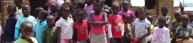 LA MARINE BELGE VIENT EN AIDE AUX ORPHELINS DE BOMA AU CONGO 0d6ed910